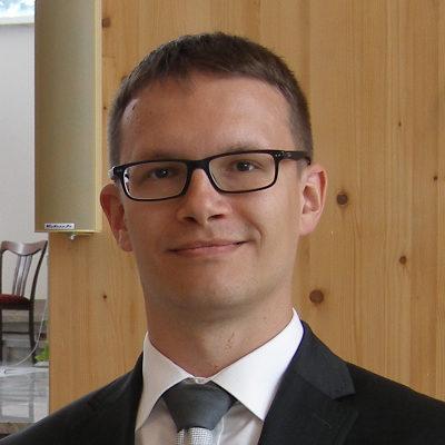 Jacek Jaworski, pracownik biura